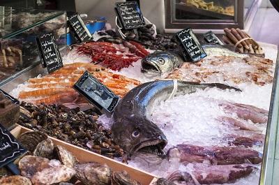 Nouveau : Coquillages et poisson sur le marché des producteurs